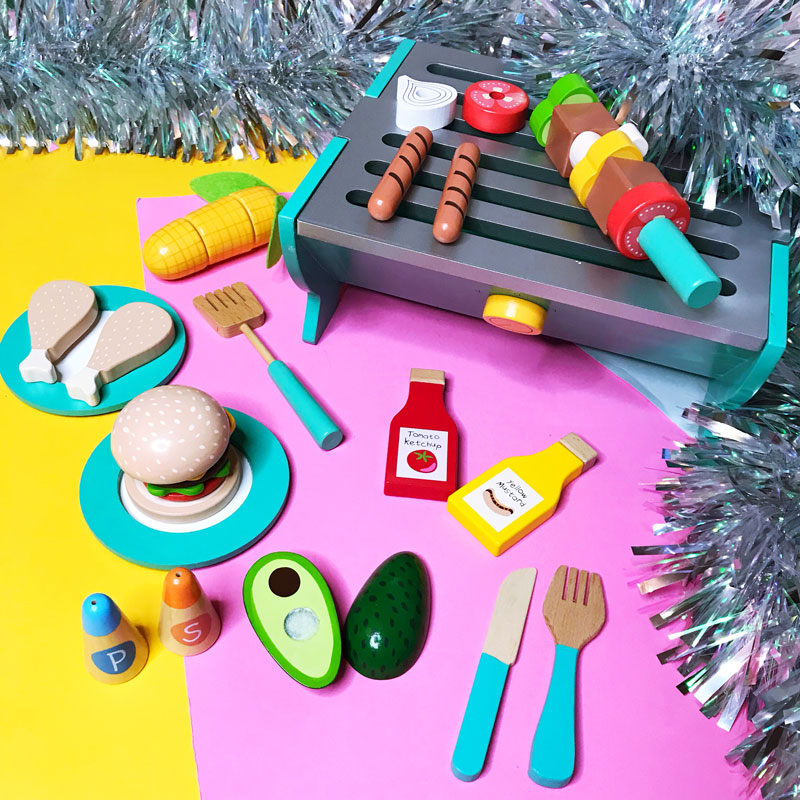 Christmas gift ideas for the family. Jojo Maman Bébé Play BBQ